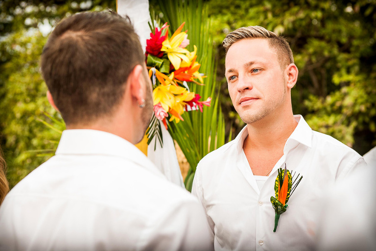 Gay wedding couple in Costa Rica
