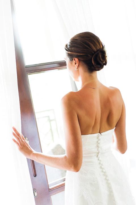 Bride before wedding in Manuel Antonio