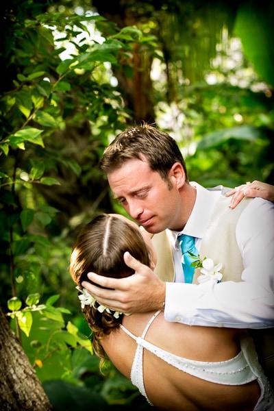 First look before wedding in Guanacaste