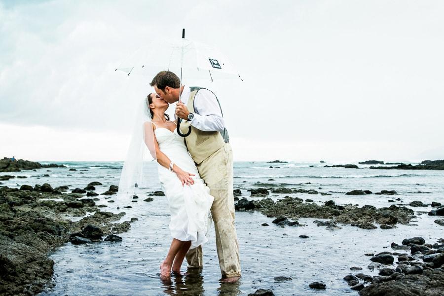 Bride and groom at wedding in Tamarindo