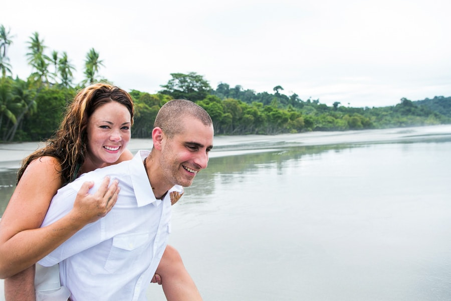 Fun photo session at wedding in Costa Rica