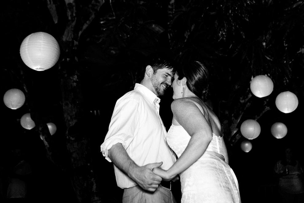 First dance at wedding in Bali House, Manuel Antonio
