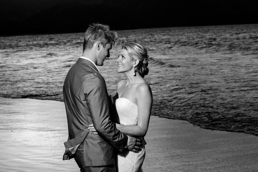 Beach wedding in Costa Rica. Riu palace wedding photography