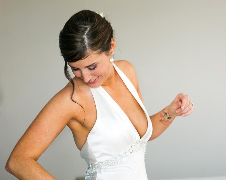 Bride getting ready in Costa Rica