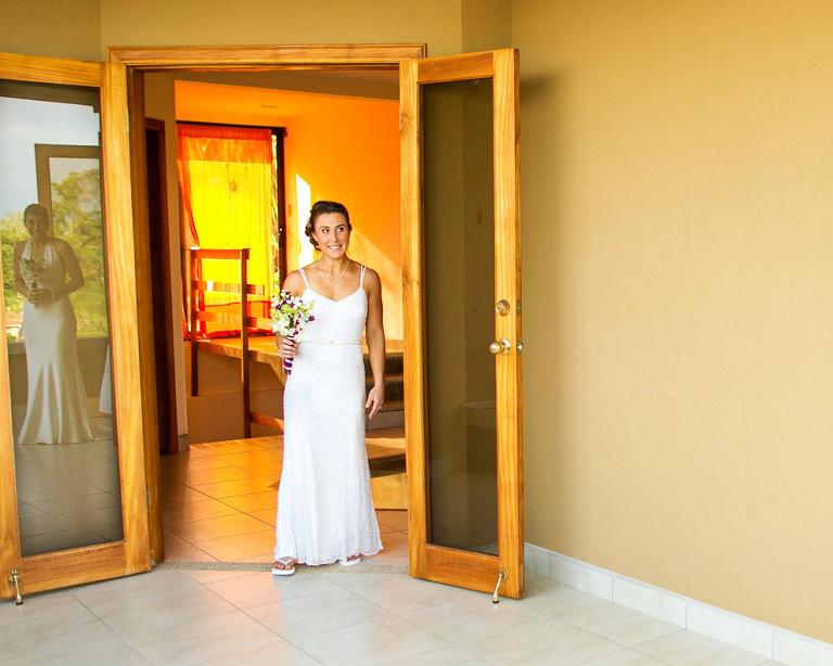 First Look at wedding in playa Esterillos Costa Rica