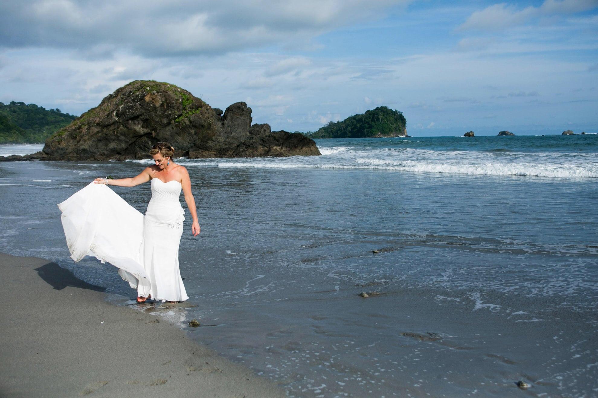 wedding in manuel antonio costa rica
