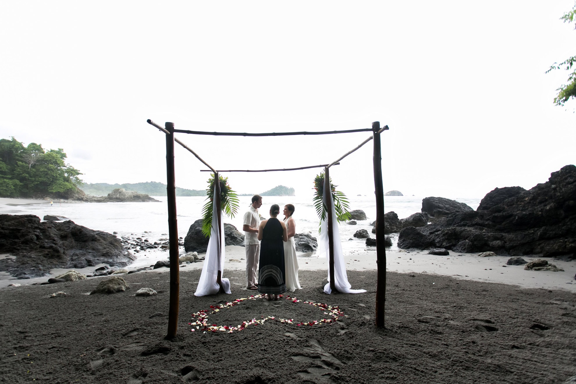Wedding on beach in Costa Rica. The best place to elope!