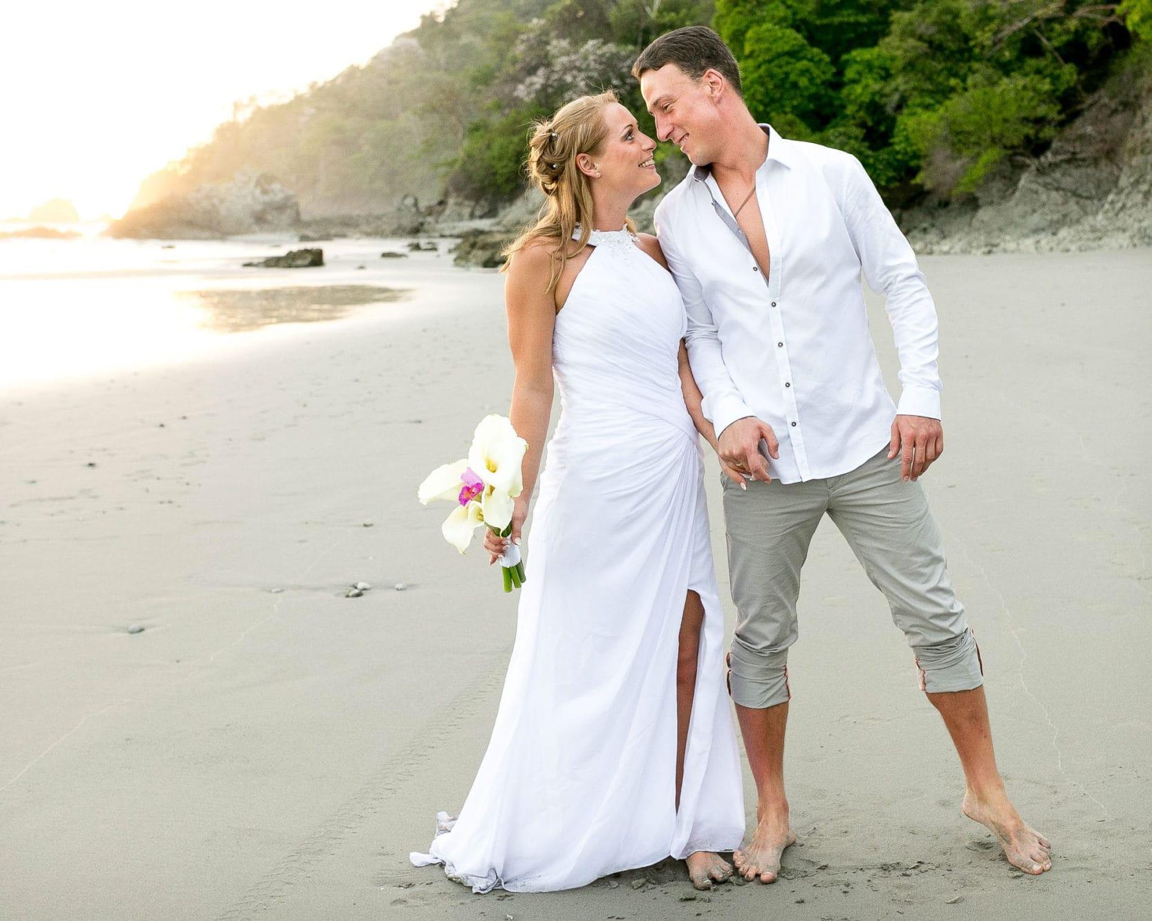 A simple yet elegant wedding on the beach