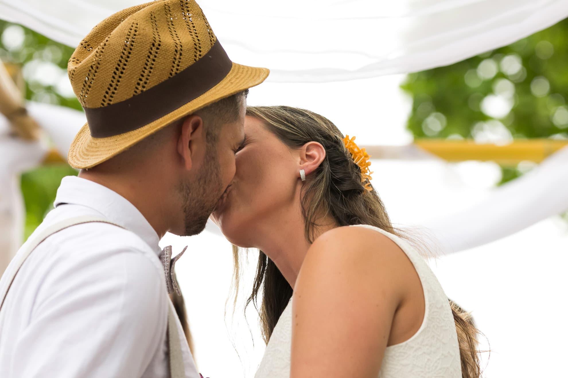 Beach wedding in Manuel Antonio