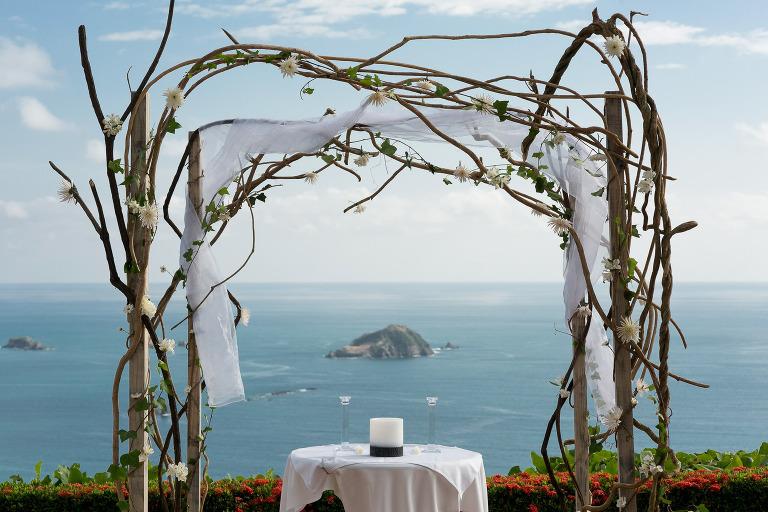 Wedding ceremony in Manuel Antonio