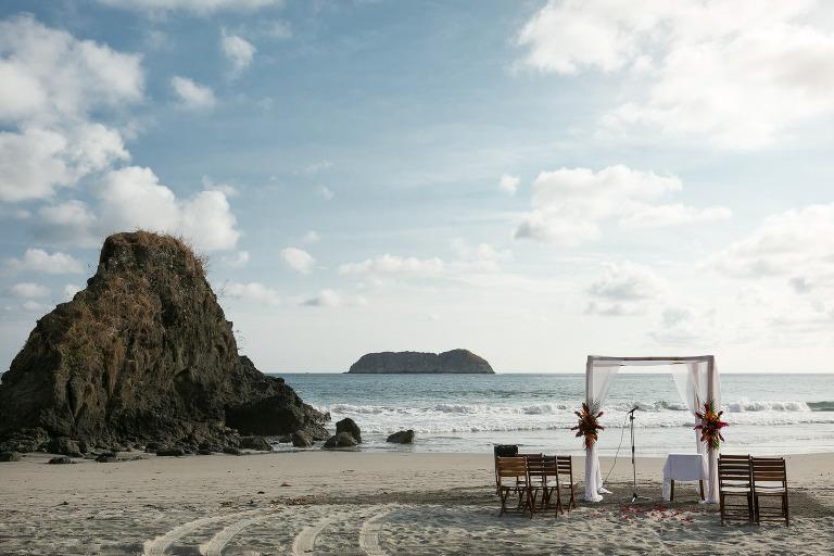 Beach ceremony in Costa Rica