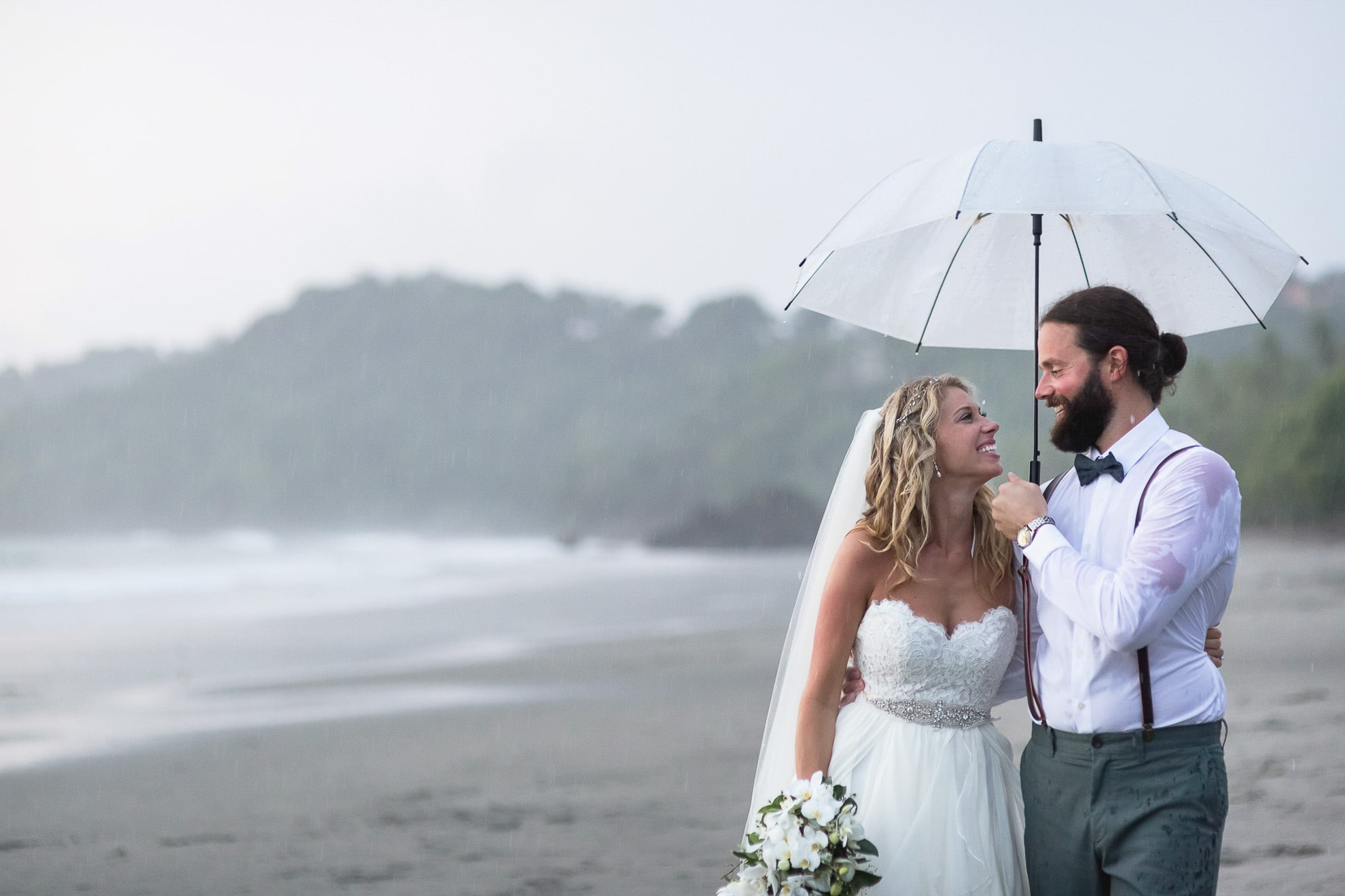 5 Tips to Save Money for Your Destination Wedding