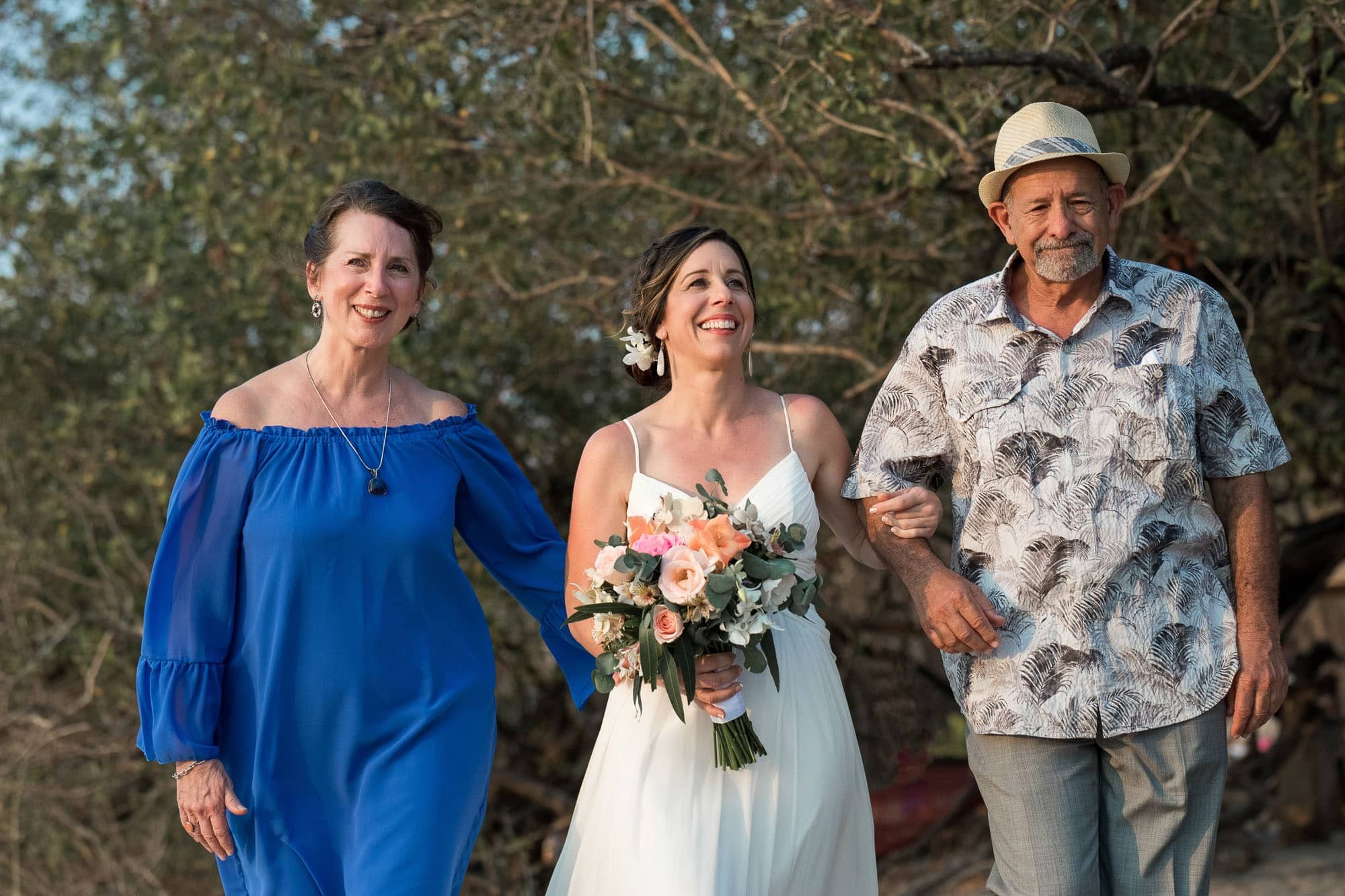 Bride with her parents for her wedding-on-the-beach-Costa-Rica