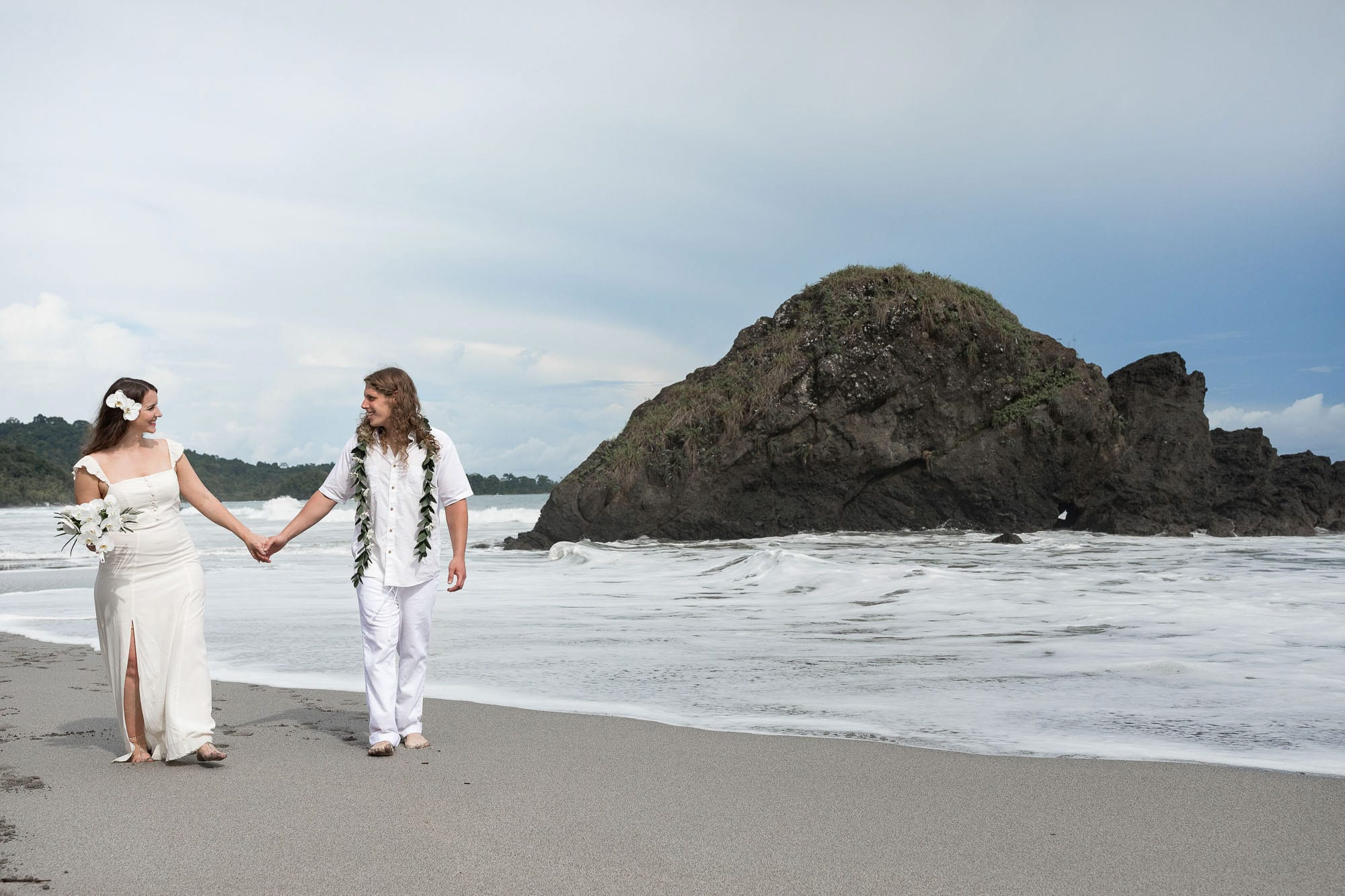 best-places-to-elope-beach-elopement
