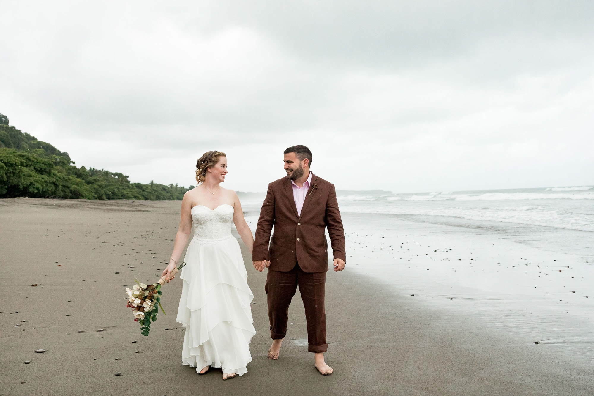 bridal portraits in dominical, costa rica