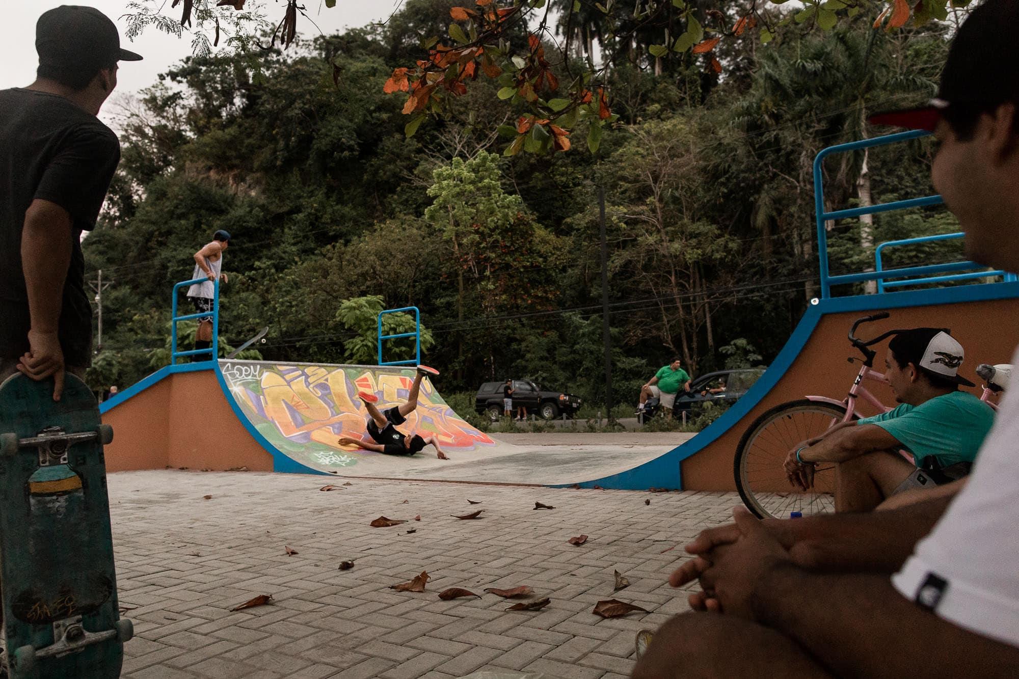 skaters in quepos costa rica