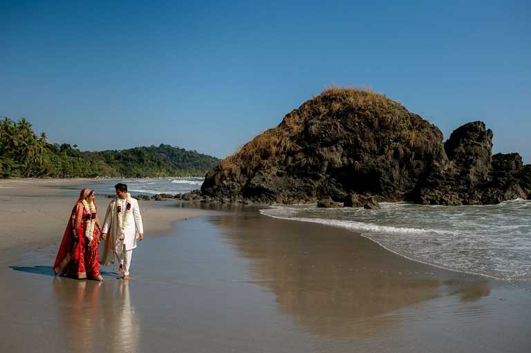 Hindu wedding couple on the beach at Manuel Antonio