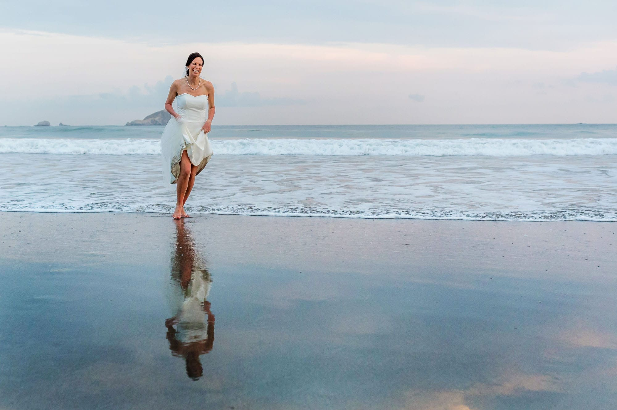 Getting married in Costa Rica means epic bridal portraits!