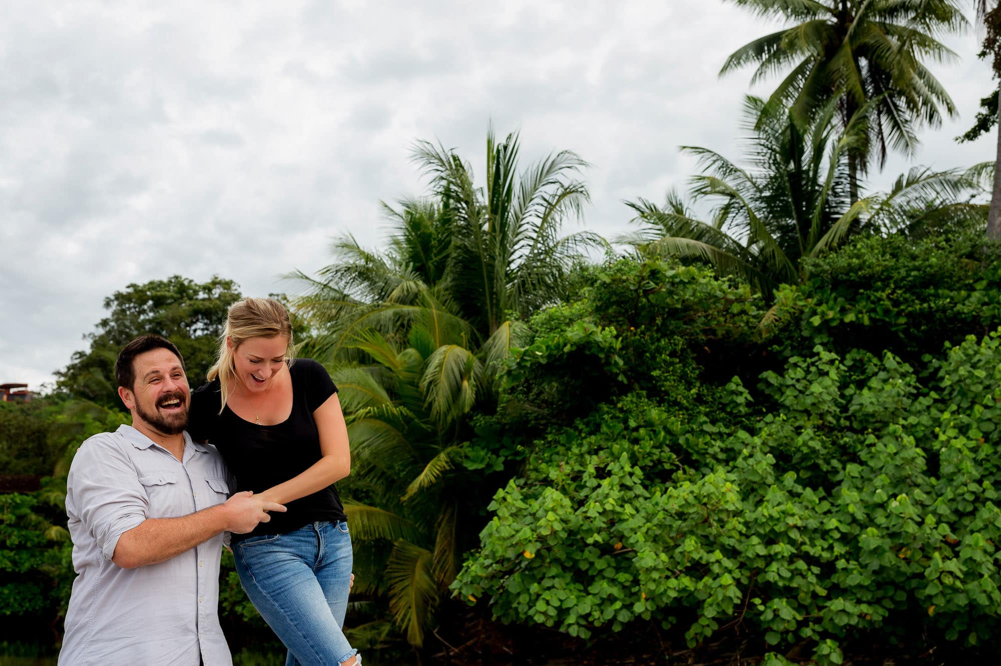 engagement photos in costa rica