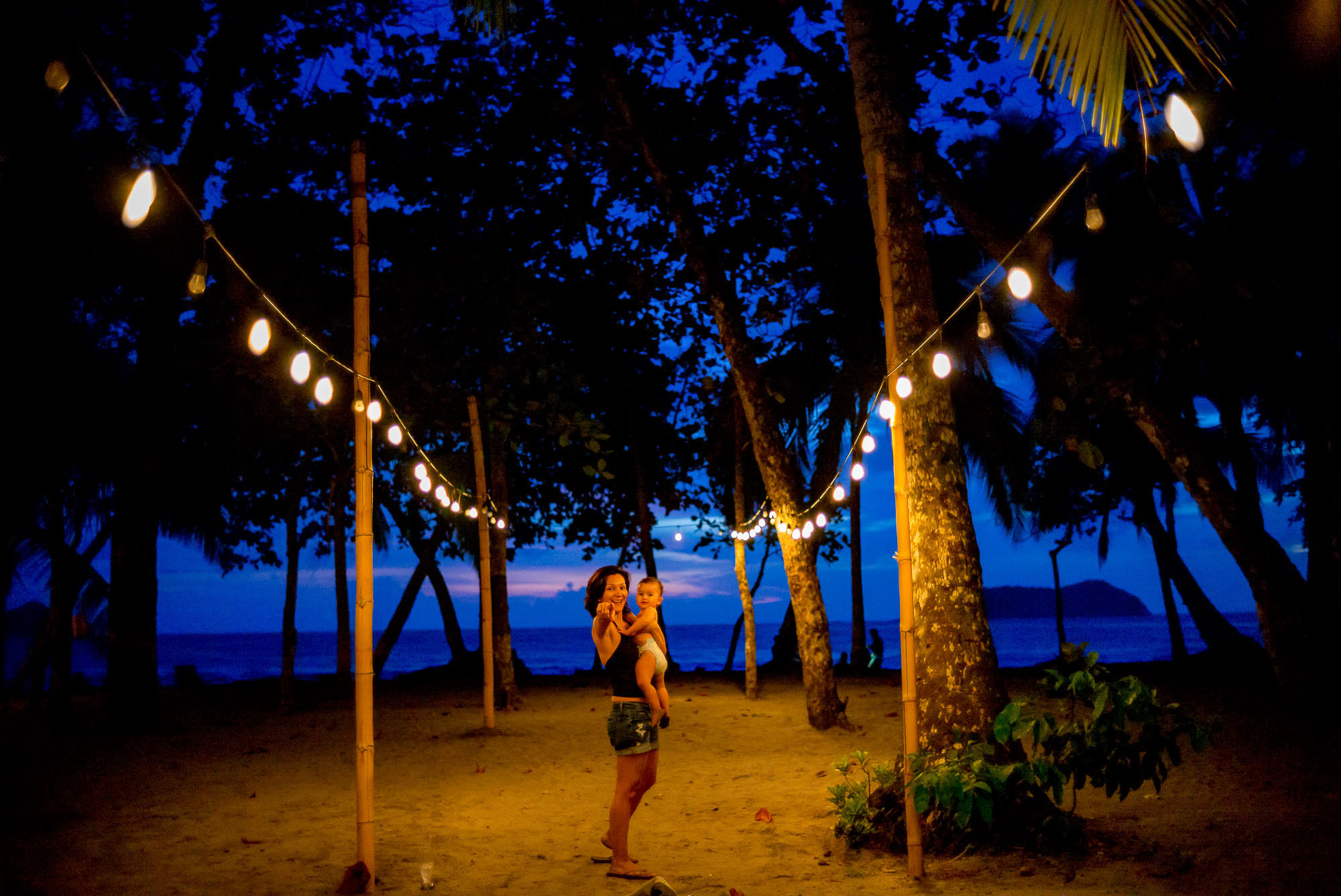 manuel antonio beach at night