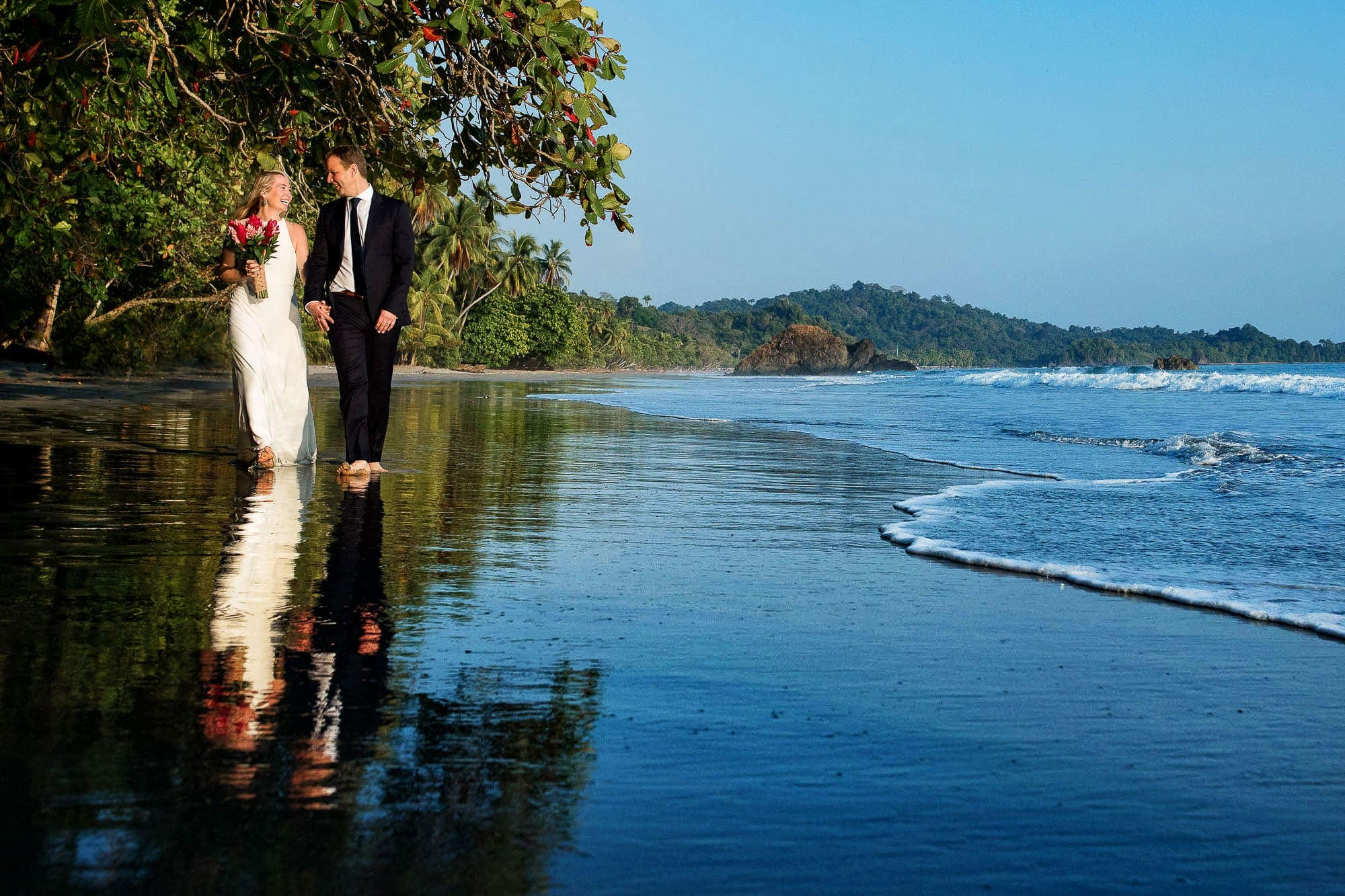 wedding couple costa rica