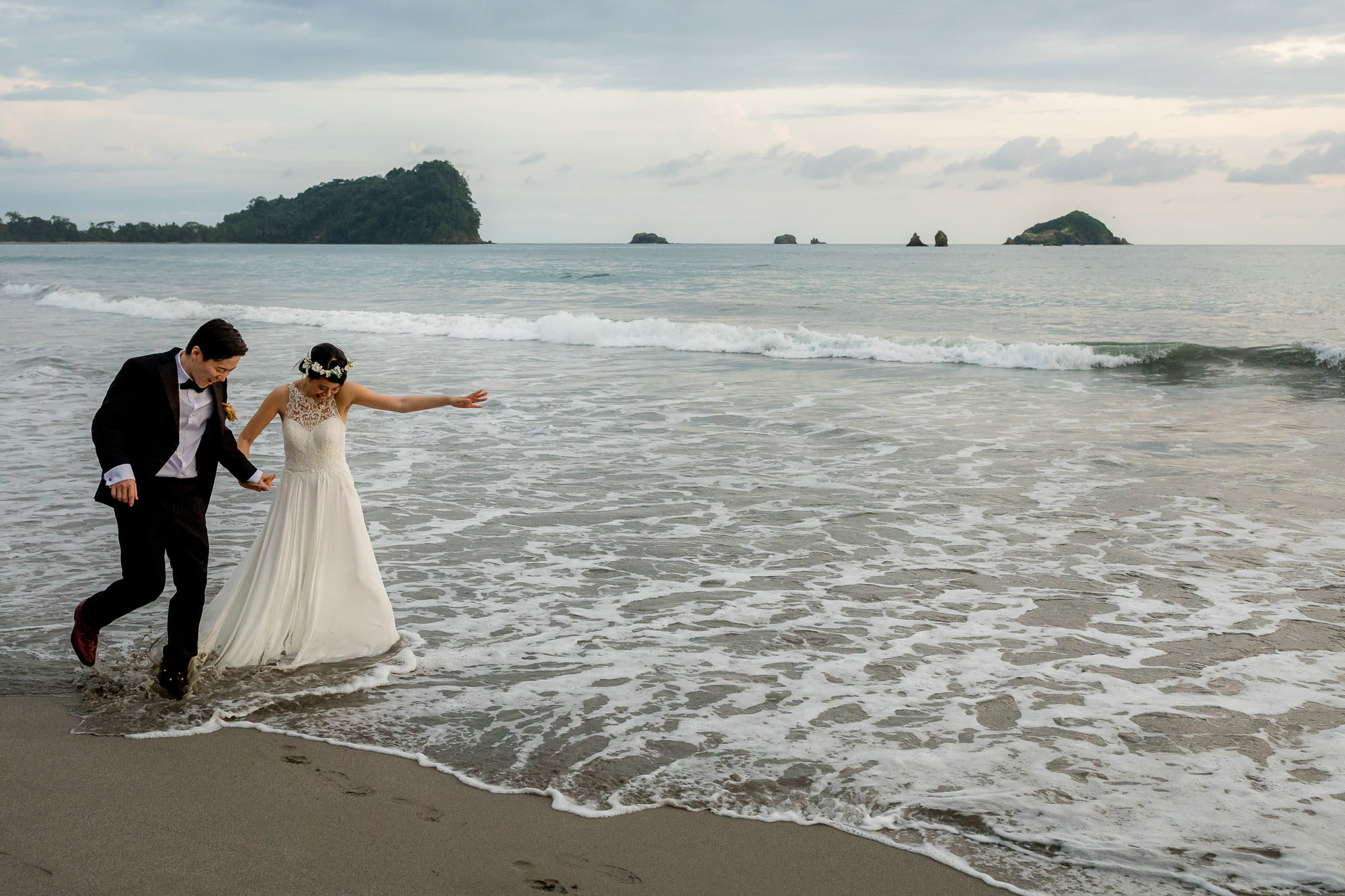 trash the dress in costa rica