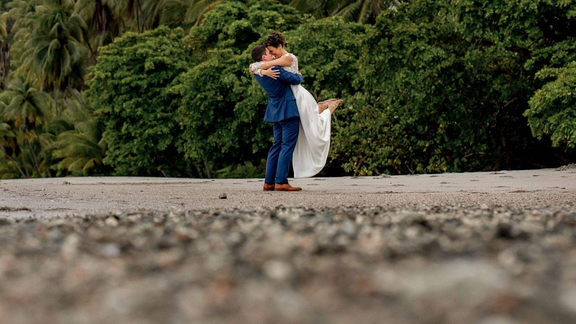 Costa Rica Wedding Photographer | Kevin Heslin Photography