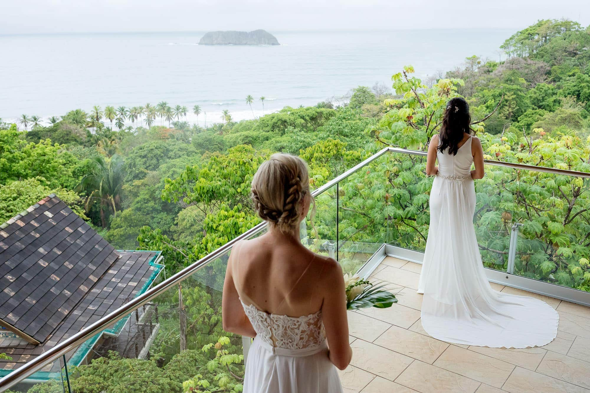 first look at wedding in costa rica